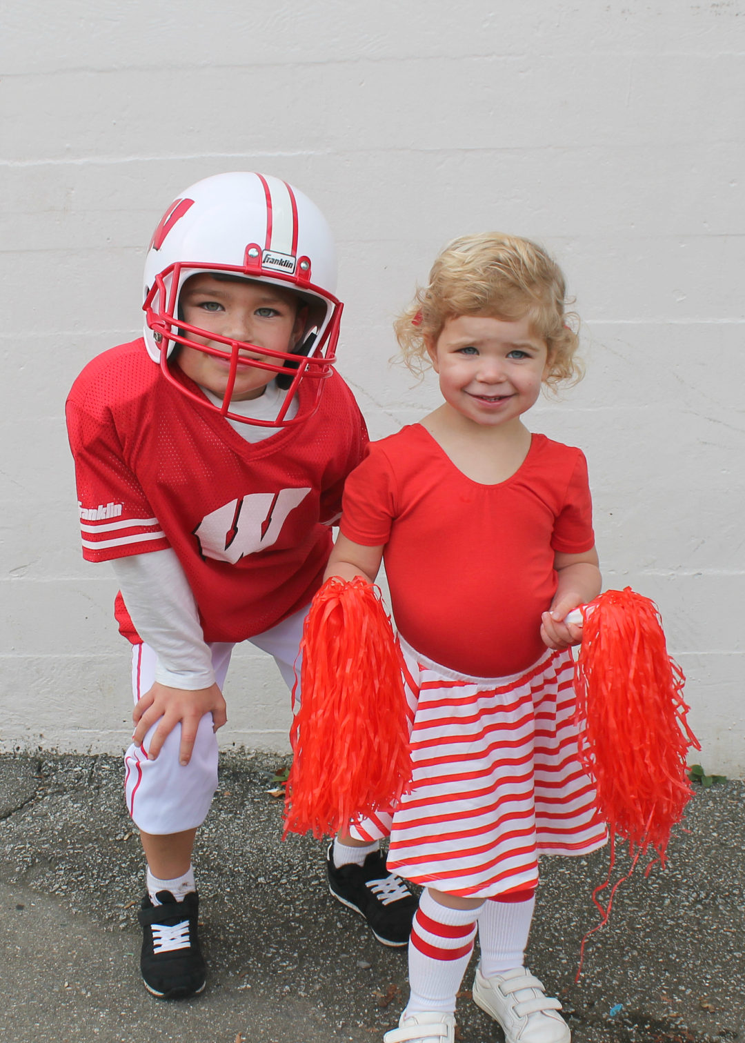 Family Halloween Costume Ideas | Group Costume Ideas | Kids Halloween Costumes | Football Costume  sc 1 st  This Sweet Happy Life : fun family halloween costumes  - Germanpascual.Com