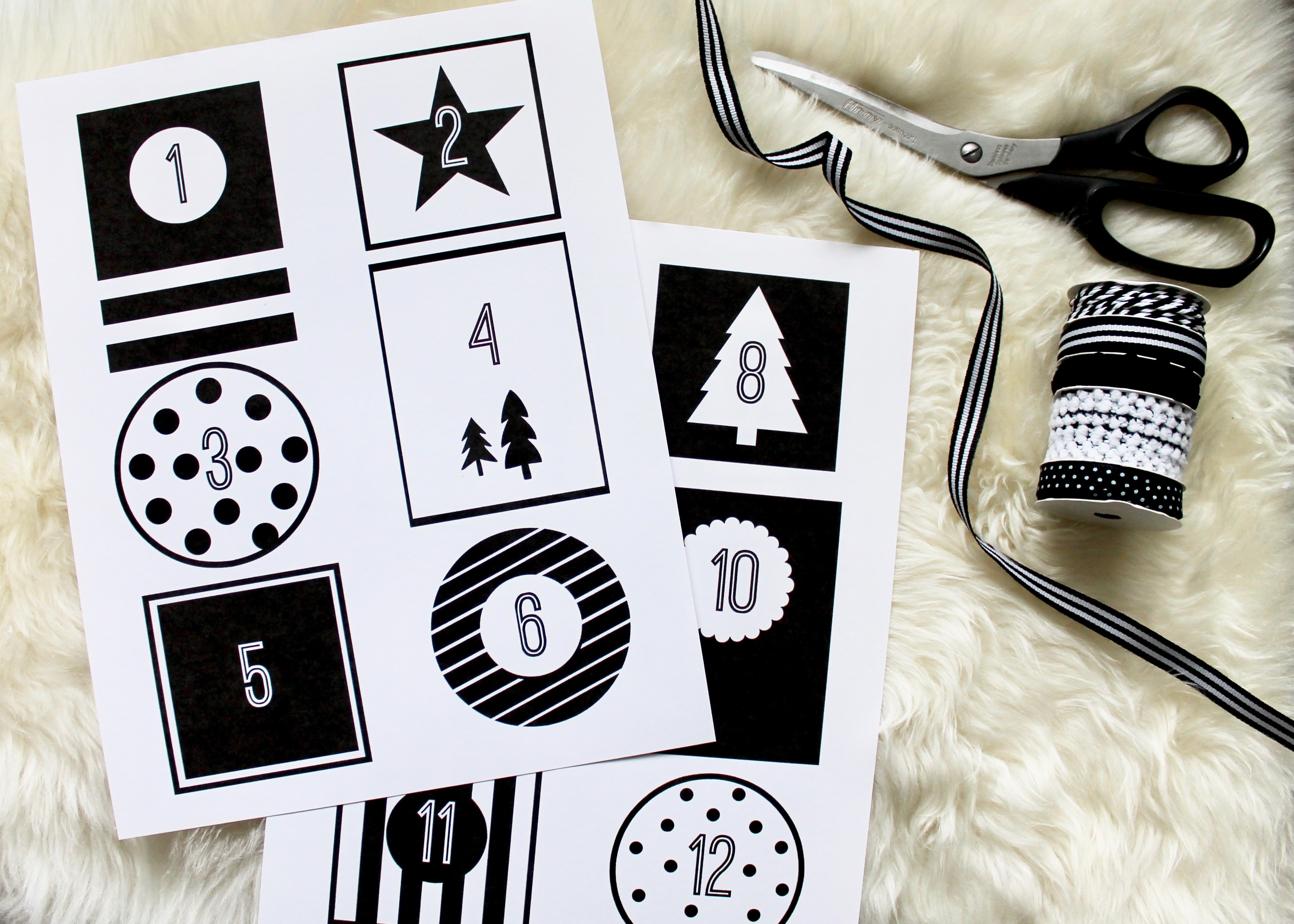 DIY Christmas Advent Calendar | Book Advent Calendar | Christmas Tradition | Christmas Books