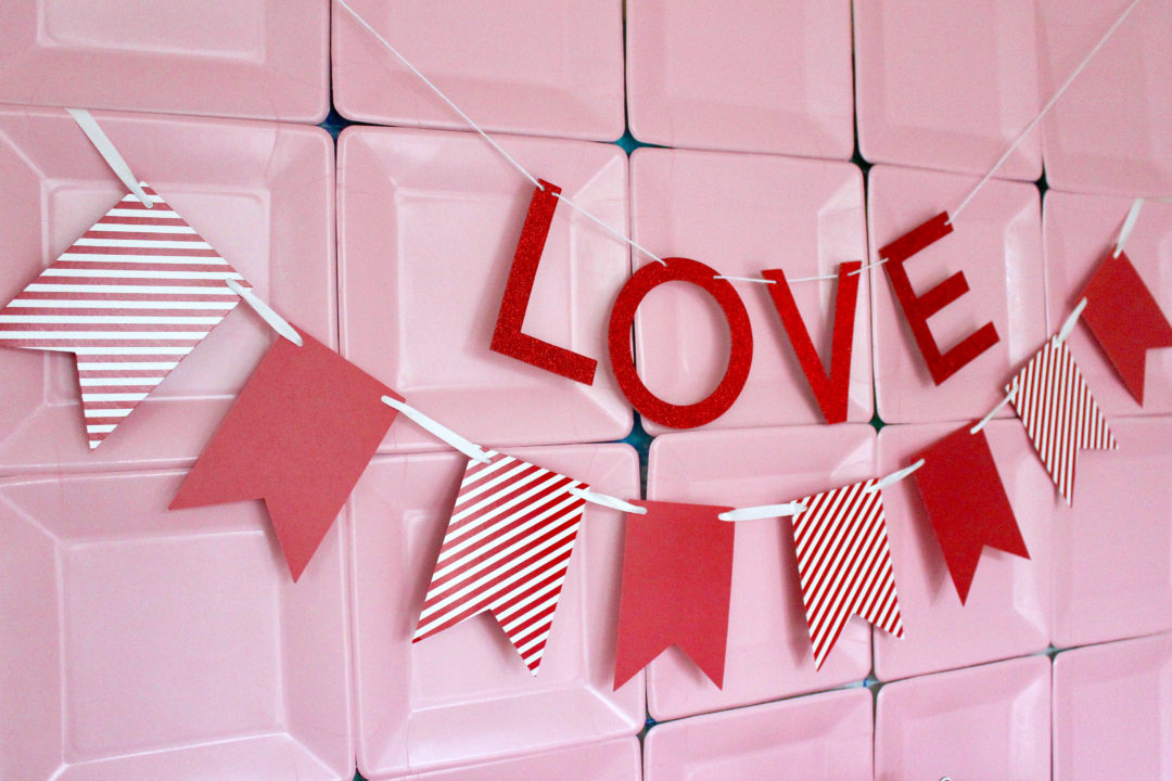 Dollar Store DIY | DIY Photo Backdrop | DIY Dessert Table | Valentine's Dessert Table | Valentine's Day Photo Wall | Valentine's Day Party
