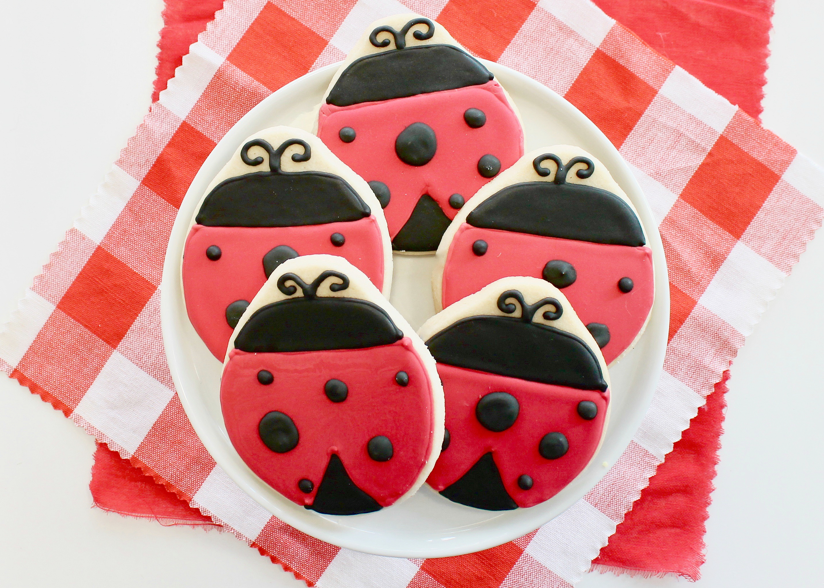 Ladybug Party | Little Lovebug Party | First Birthday Party | Girls Party Idea | Kid's Birthday | Dessert Table Ideas